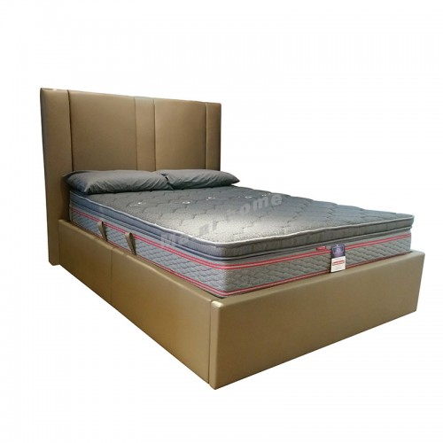 CLUB leather bed